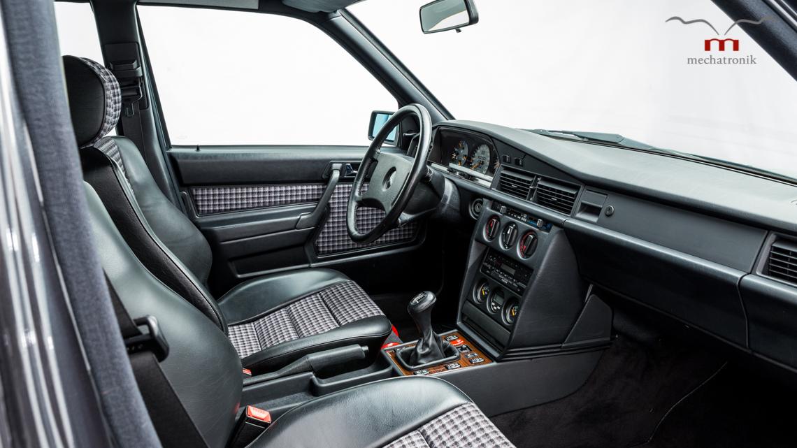 Mercedes_190E_2.5-16_Evo_II_0018