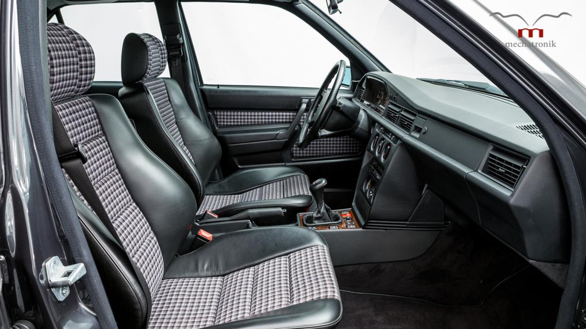 Mercedes_190E_2.5-16_Evo_II_0019