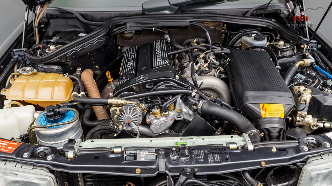 Mercedes_190E_2.5-16_Evo_II_0024