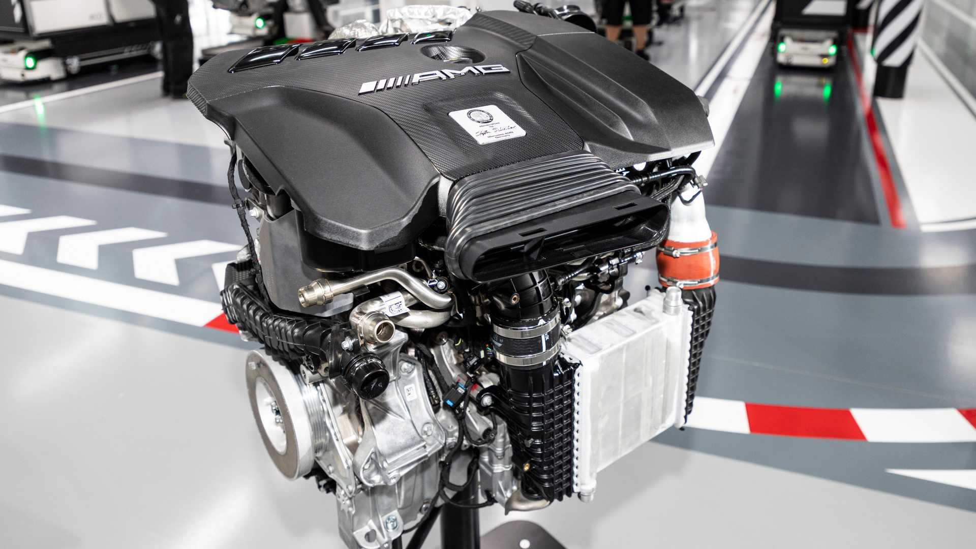 1_mercedes-amg-engine-lead