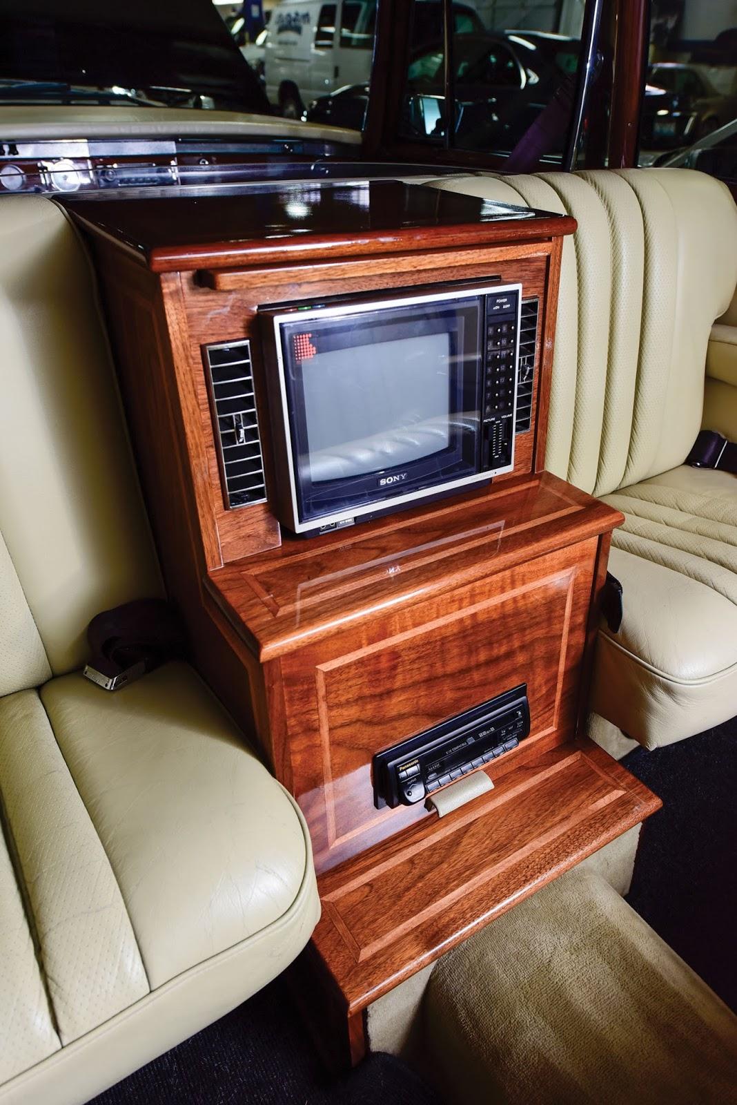 Mercedes-Benz 600 Pullman 1968 in auction (20)