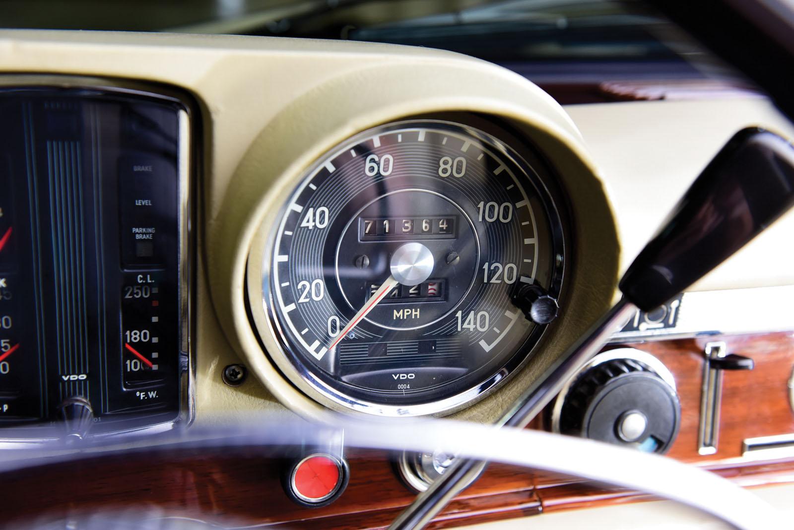 Mercedes-Benz 600 Pullman 1968 in auction (21)