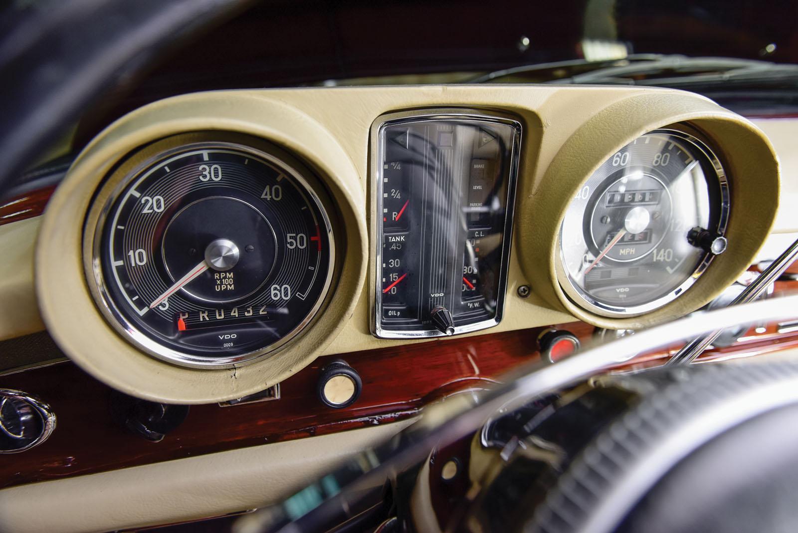 Mercedes-Benz 600 Pullman 1968 in auction (22)