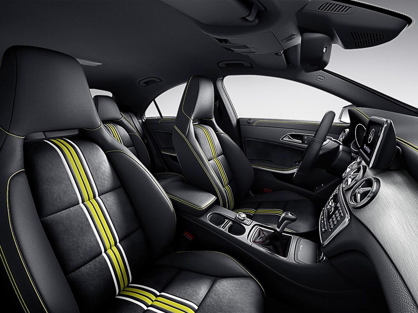 Mercedes-Benz CLA 250 Edition 1 cosmos black 2013