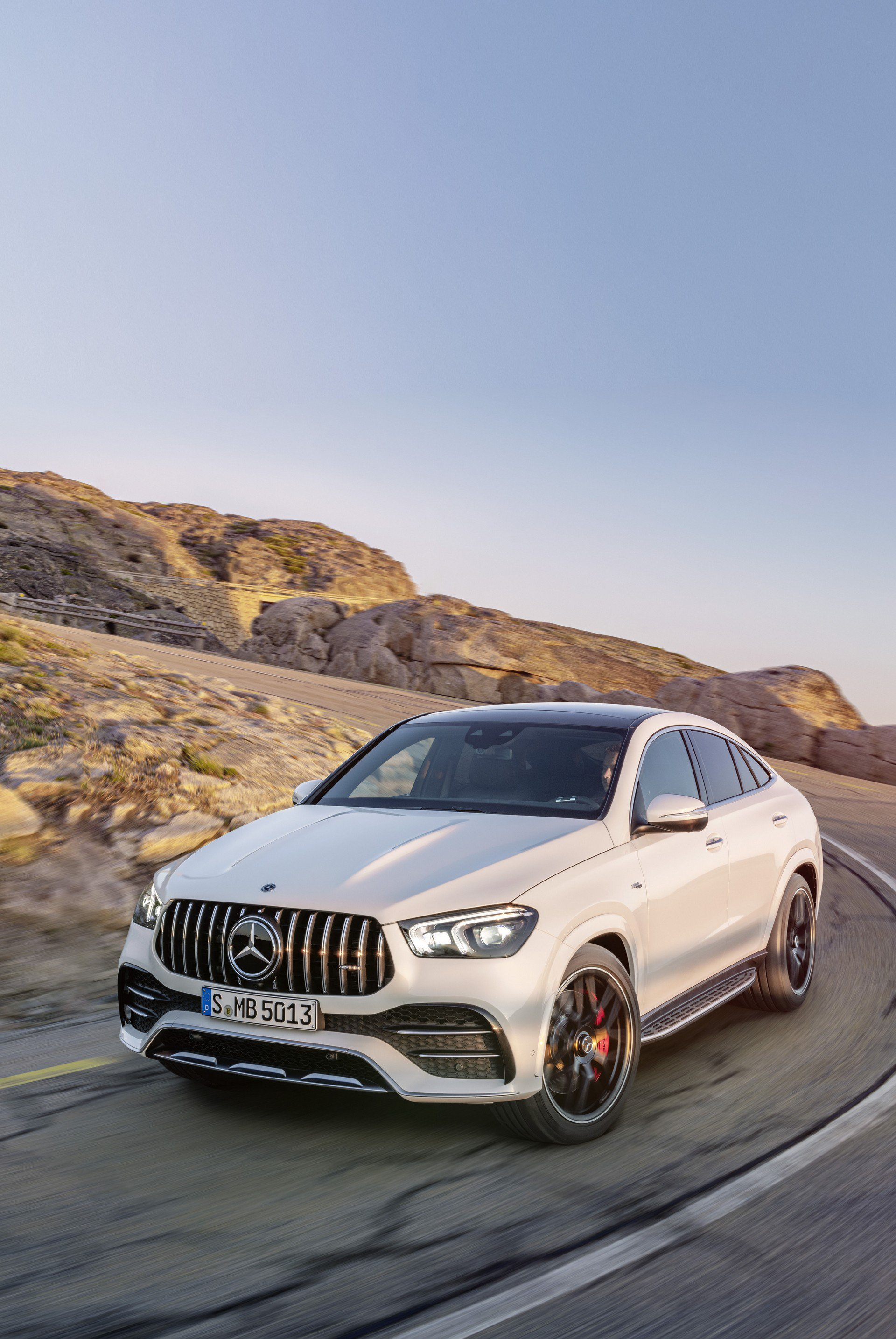 11b1d486-2020-mercedes-gle-coupe-77
