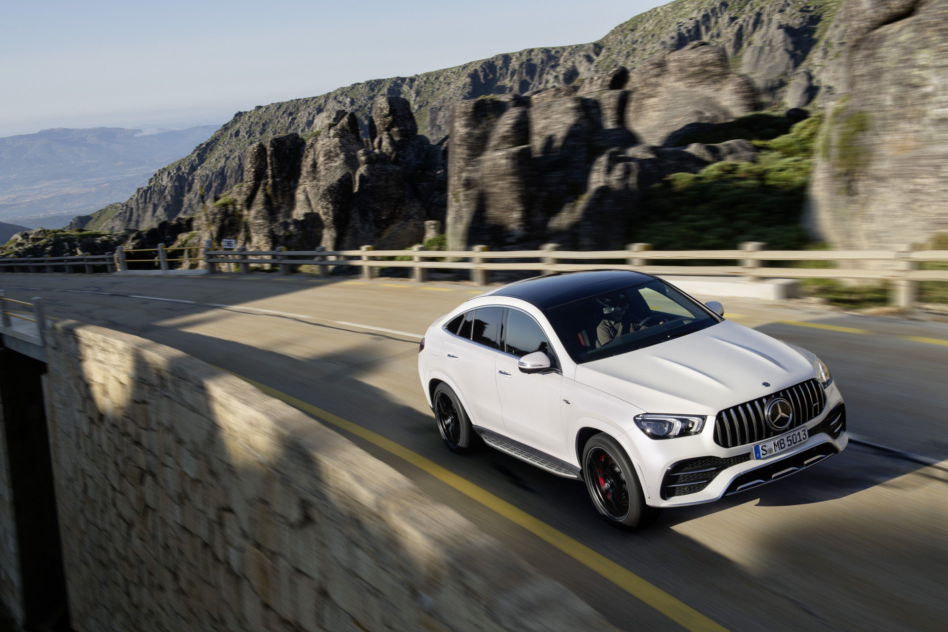 1d7530b8-2020-mercedes-gle-coupe-62