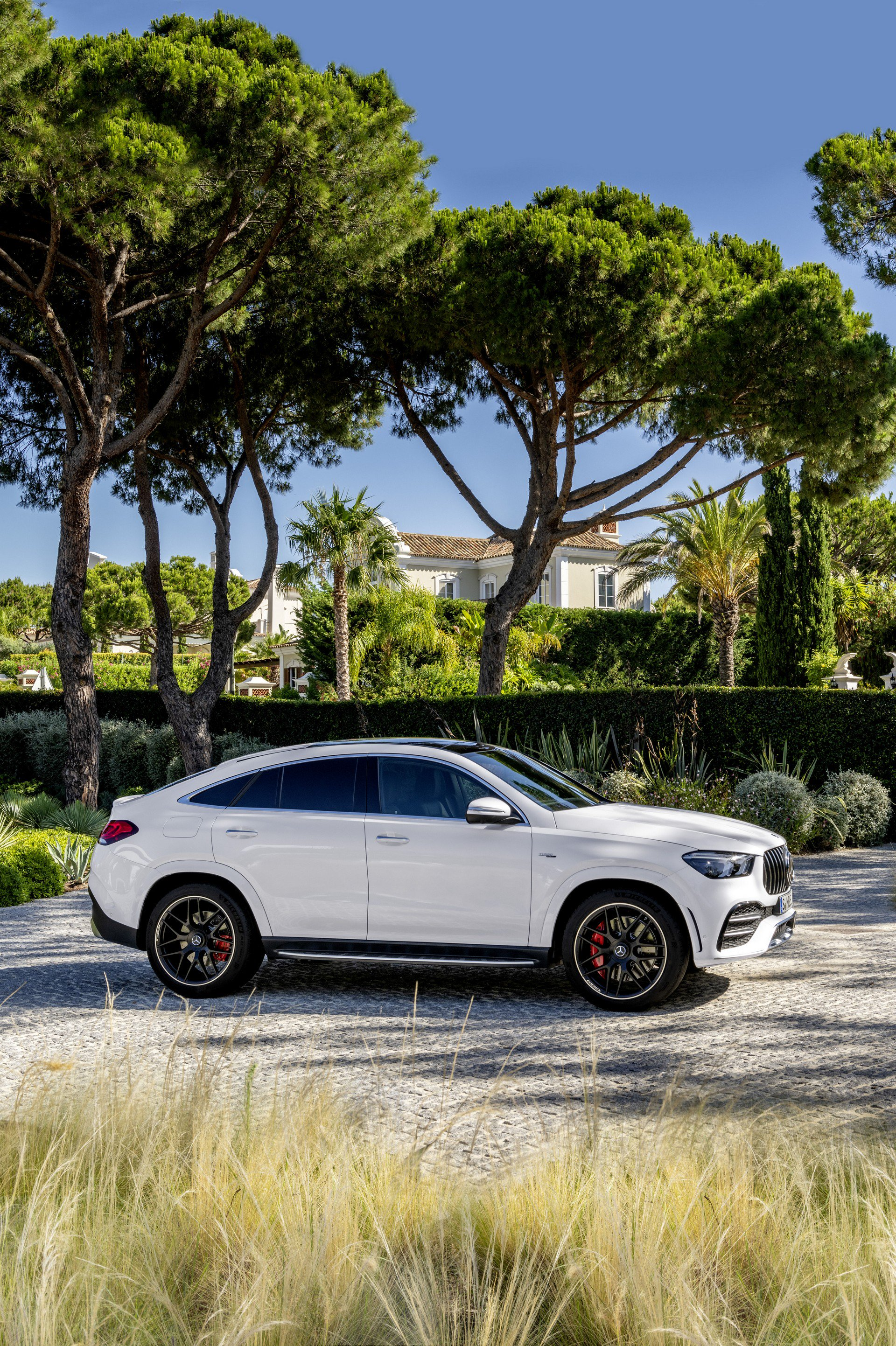 2a53db83-2020-mercedes-gle-coupe-75