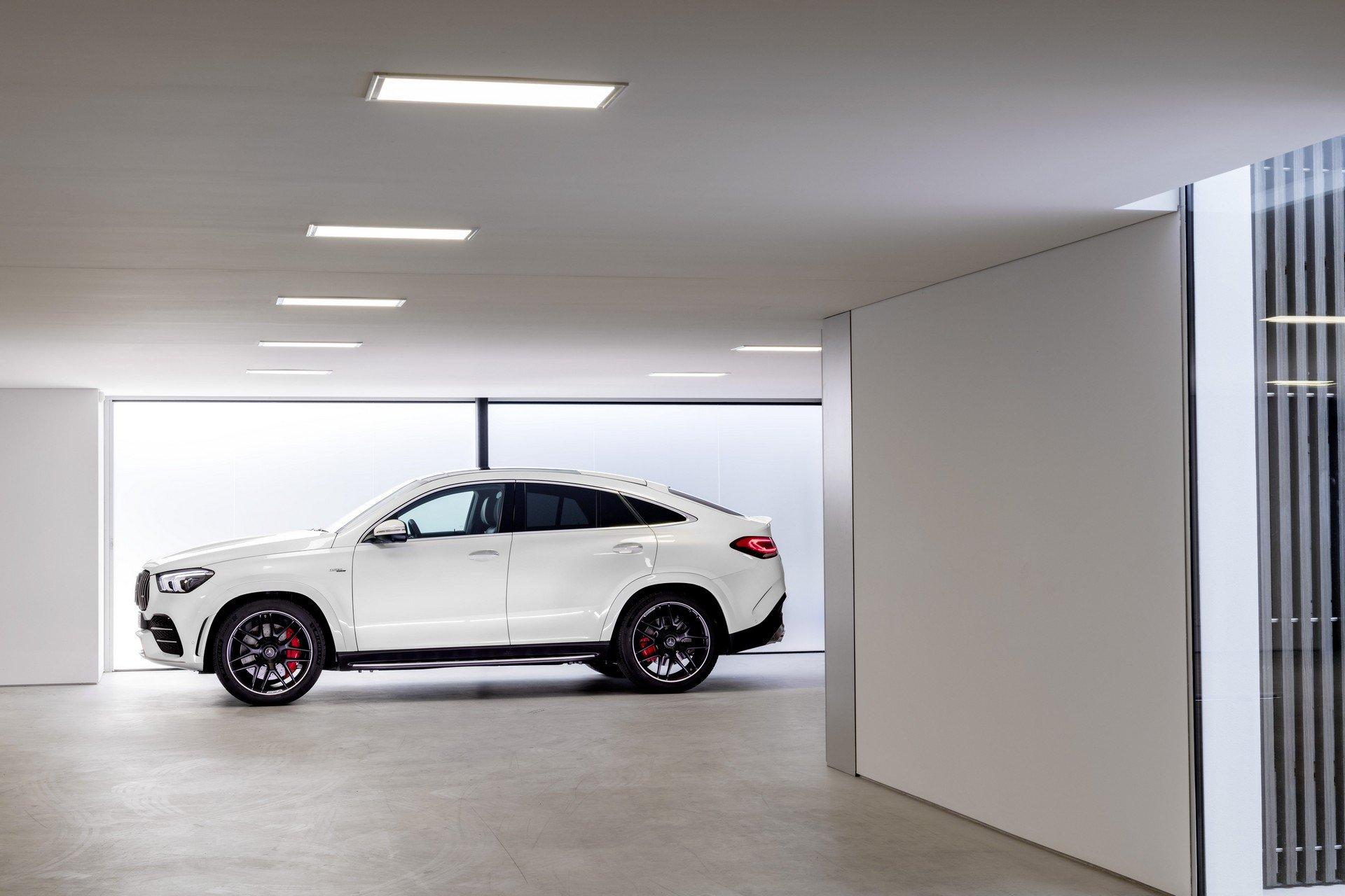 3d72ead8-2020-mercedes-gle-coupe-54
