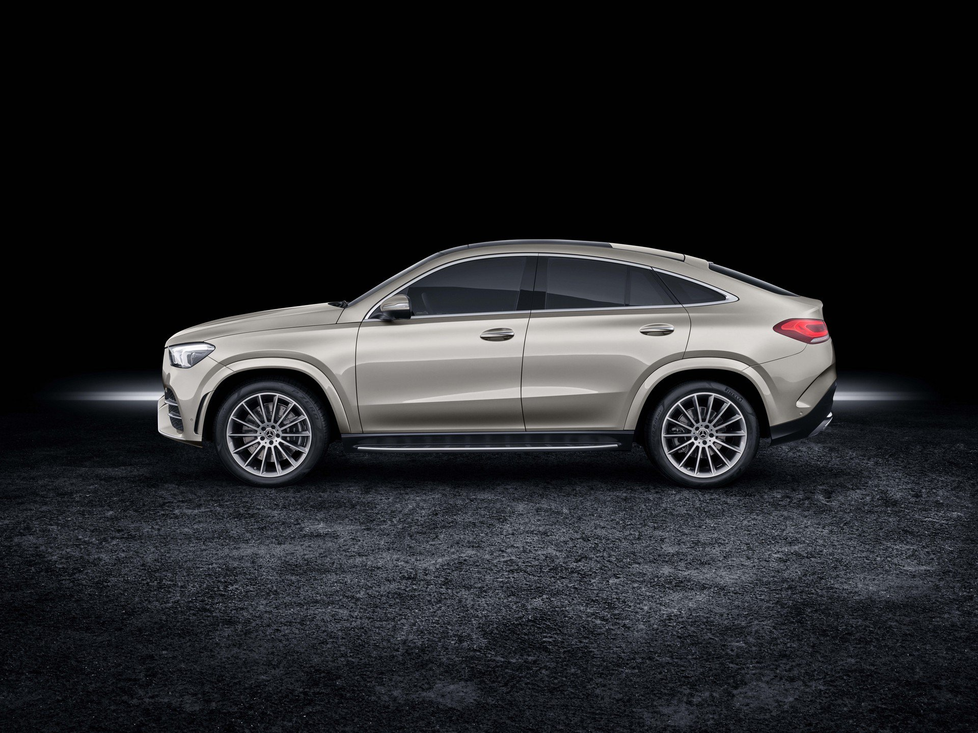 3ed4d421-2020-mercedes-gle-coupe-3