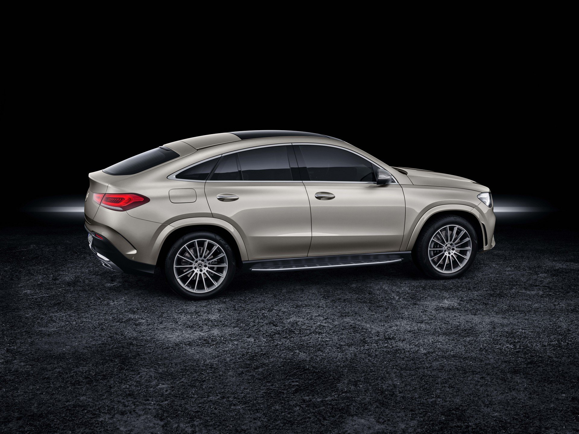 817c3b43-2020-mercedes-gle-coupe-7