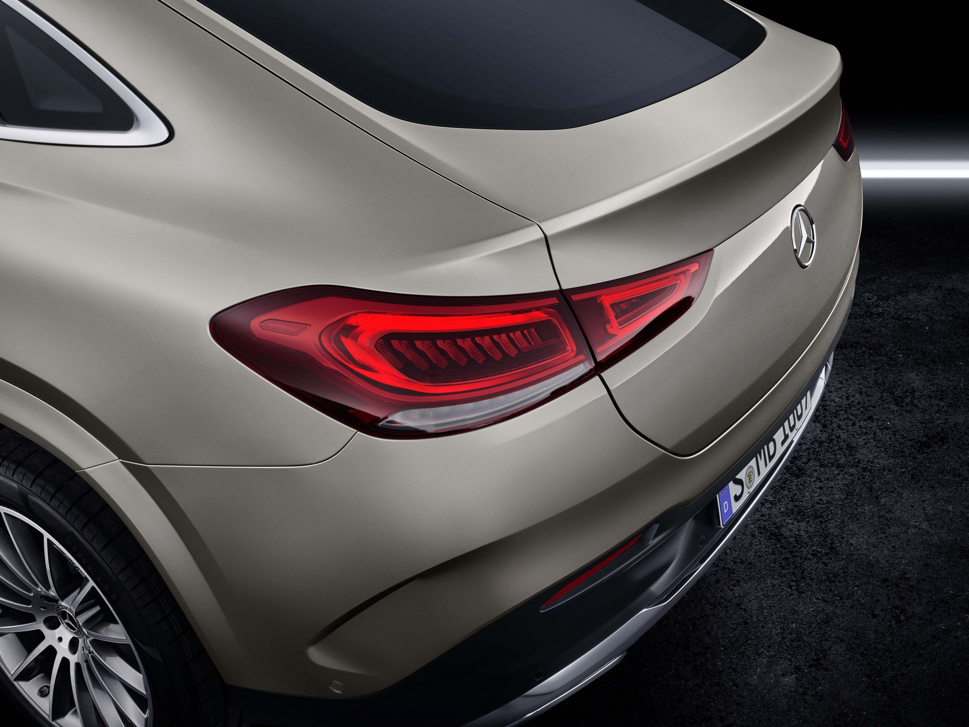 88bbc3ee-2020-mercedes-gle-coupe-10