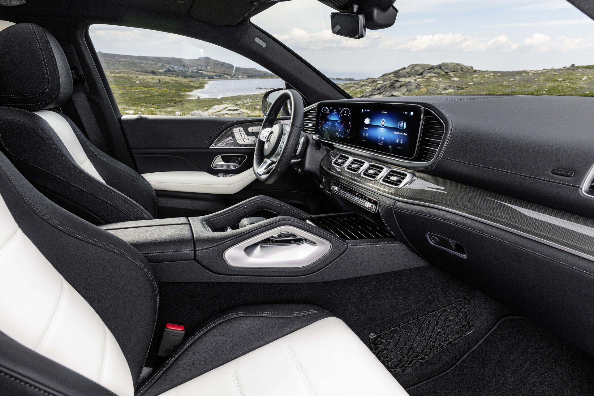 b14a8085-2020-mercedes-gle-coupe-27