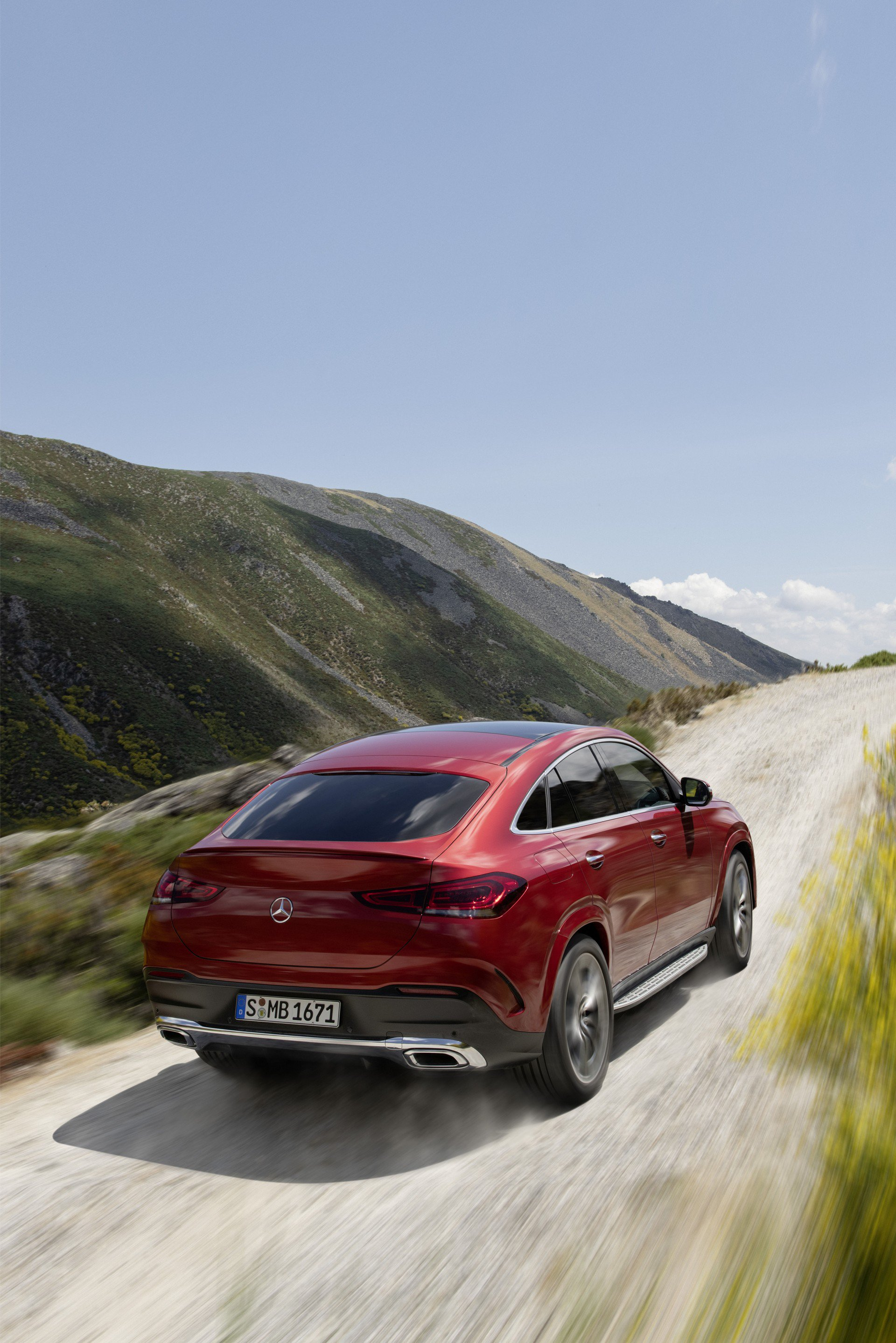 b956ad29-2020-mercedes-gle-coupe-35
