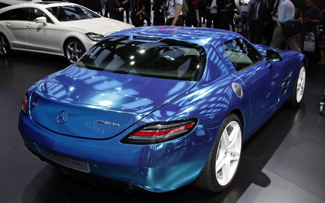http://www.autoblog.gr/wp-content/gallery/mercedes-sls-amg-electric-drive-live-in-paris-2012/mercedes-sls-amg-electric-drive-live-in-paris-2012-10.jpg