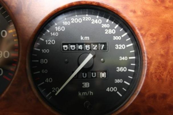 Article gt gt comparison 2010 bugatti veyron vs 1992 bugatti eb 110 ss