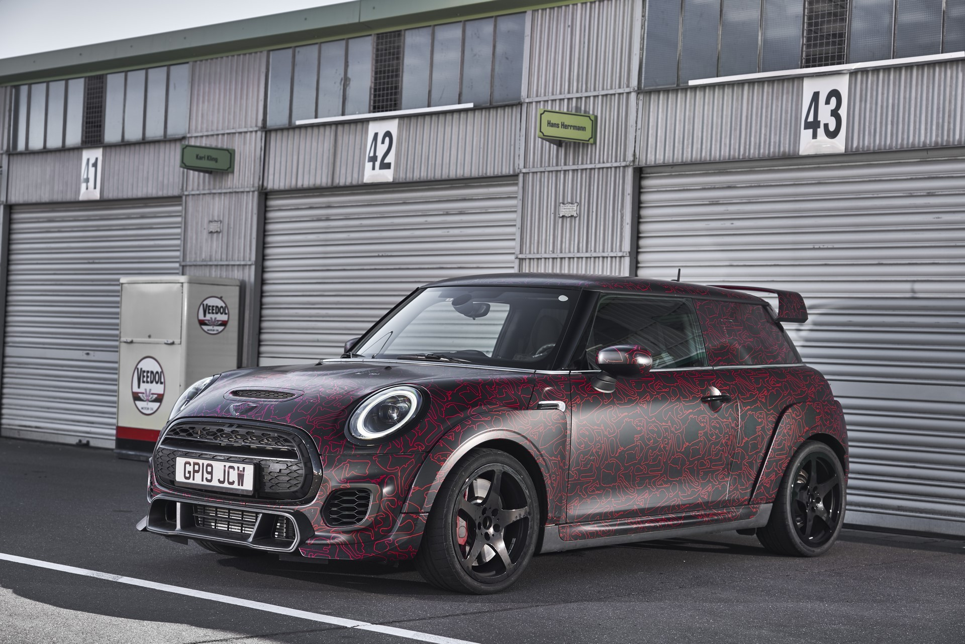 MINI-John-Cooper-Works-GP-Prototype-38