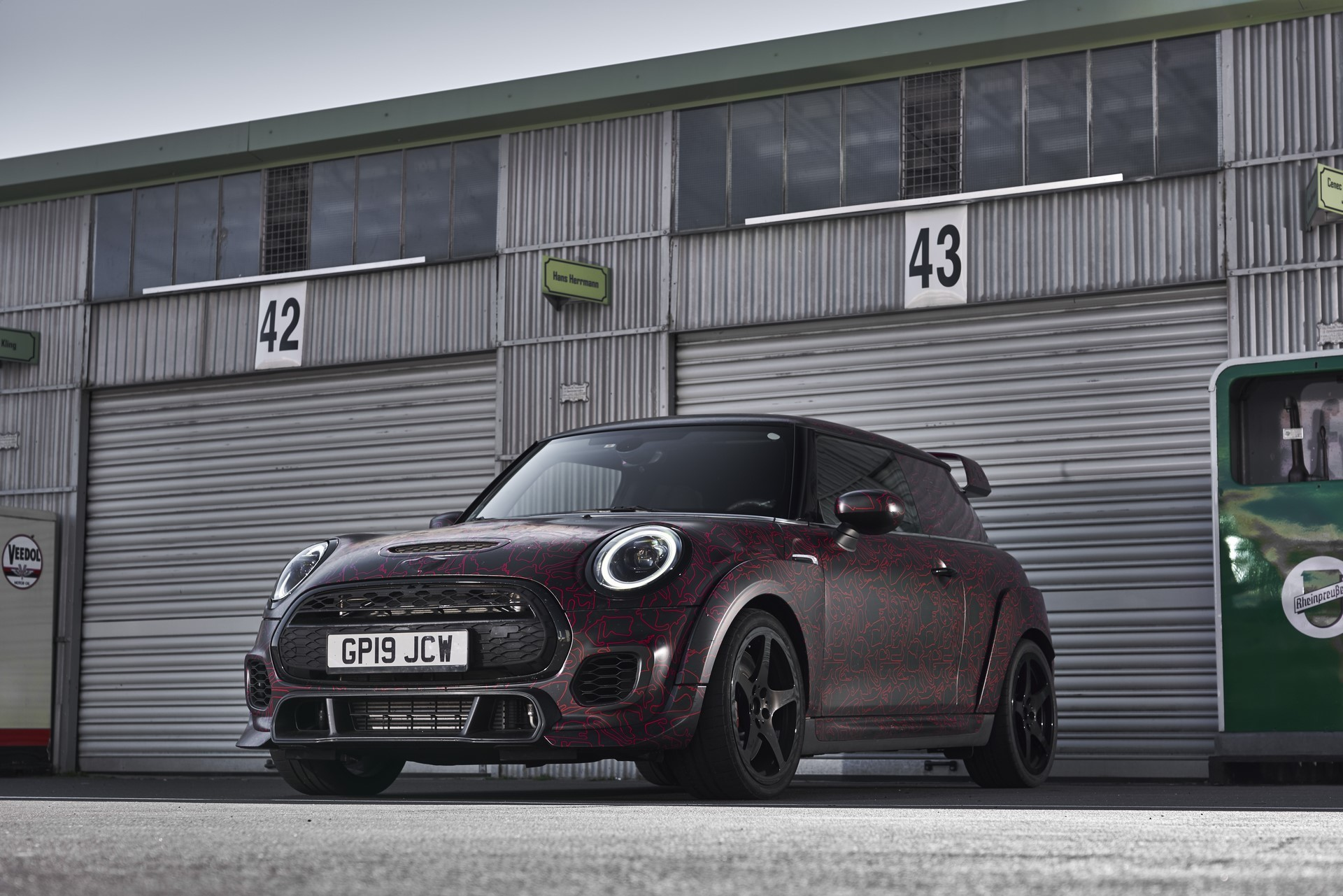 MINI-John-Cooper-Works-GP-Prototype-39