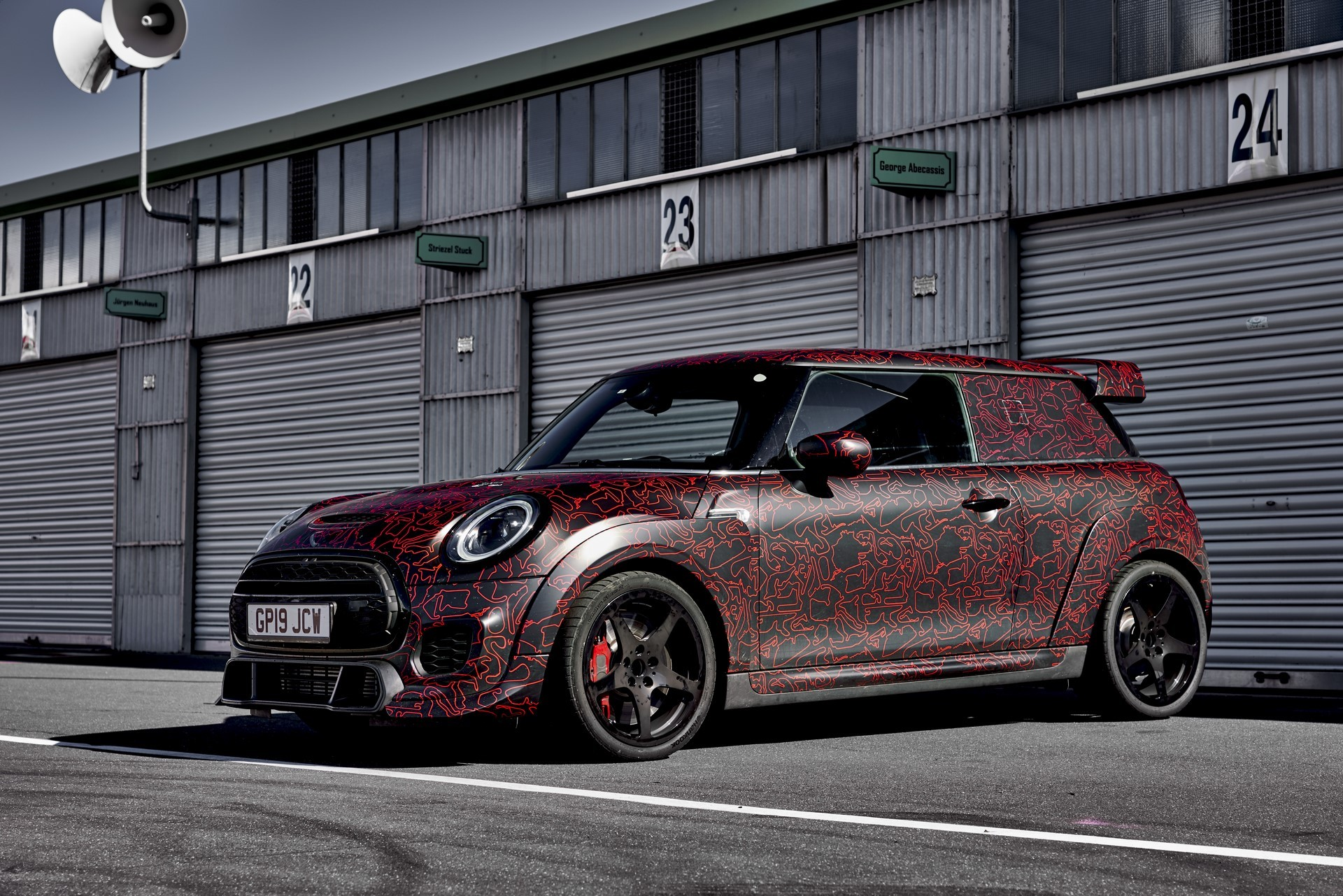 MINI-John-Cooper-Works-GP-Prototype-40