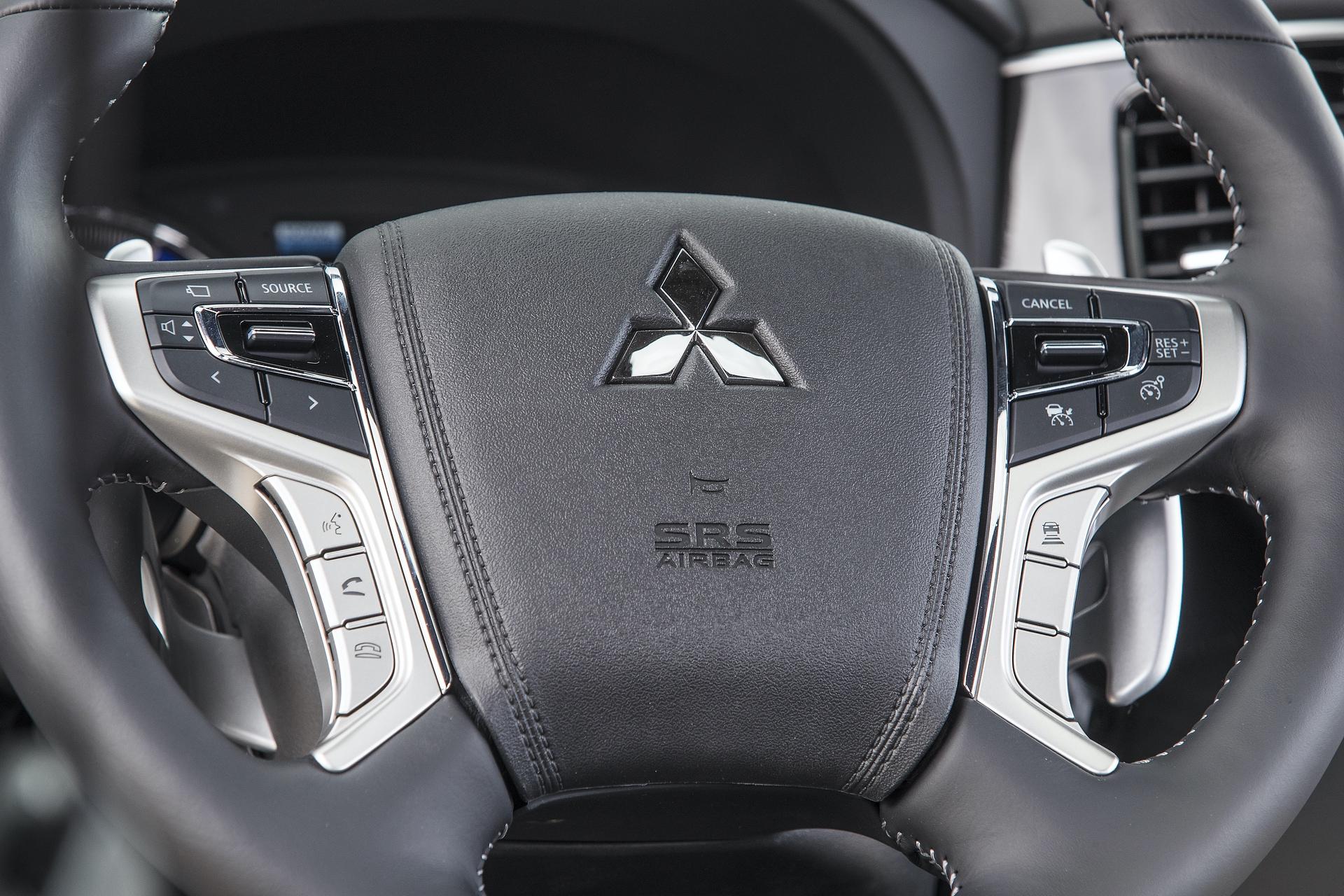 Mitsubishi_Outlander_PHEV_0057