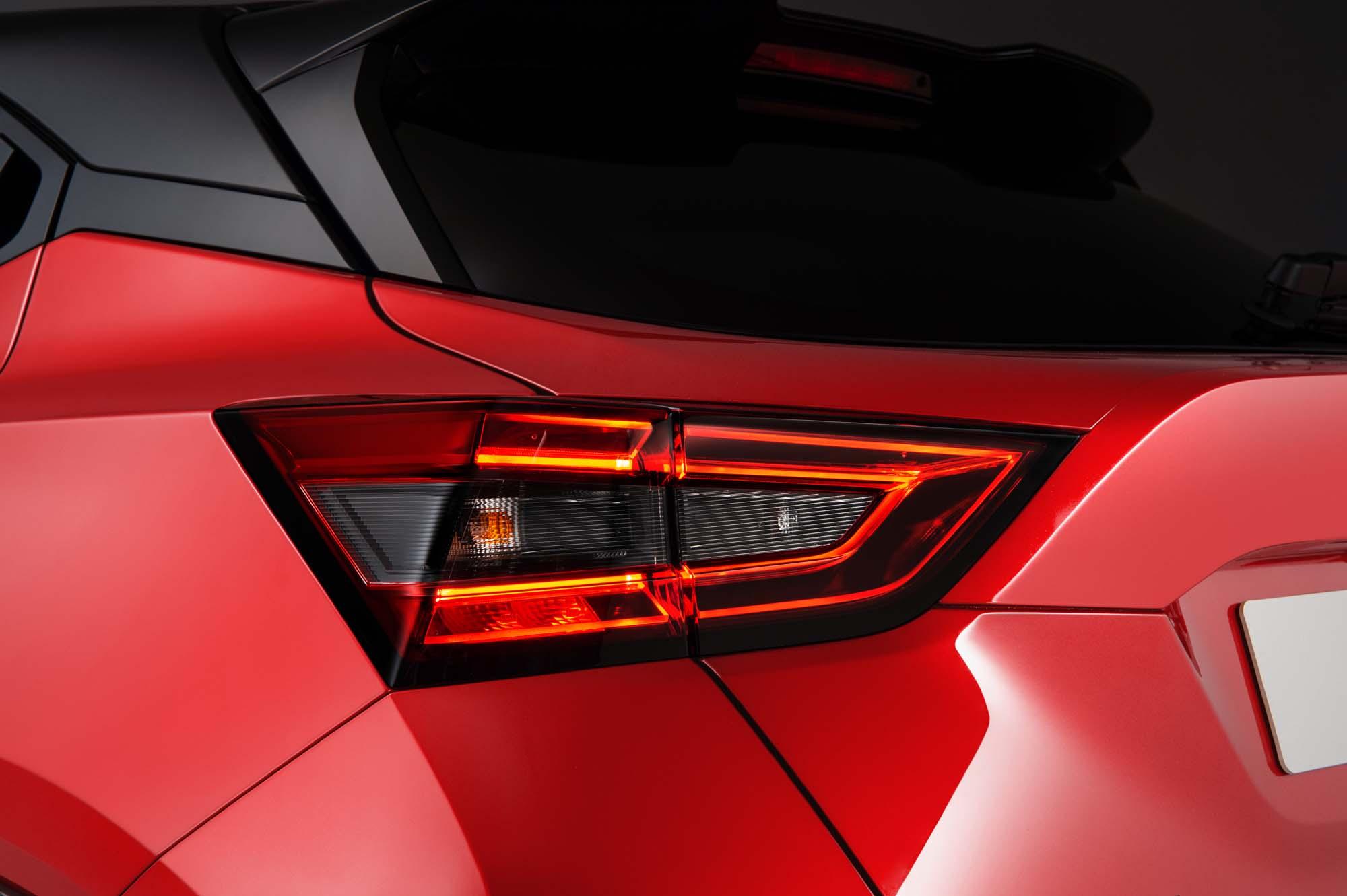 Nissan-Juke-2020-26