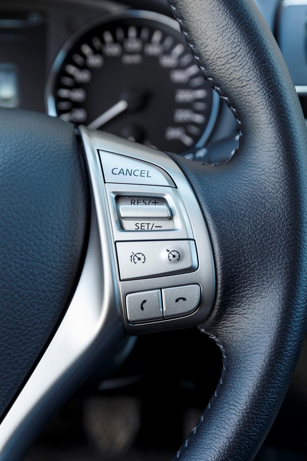 Nissan Pulsar 2015