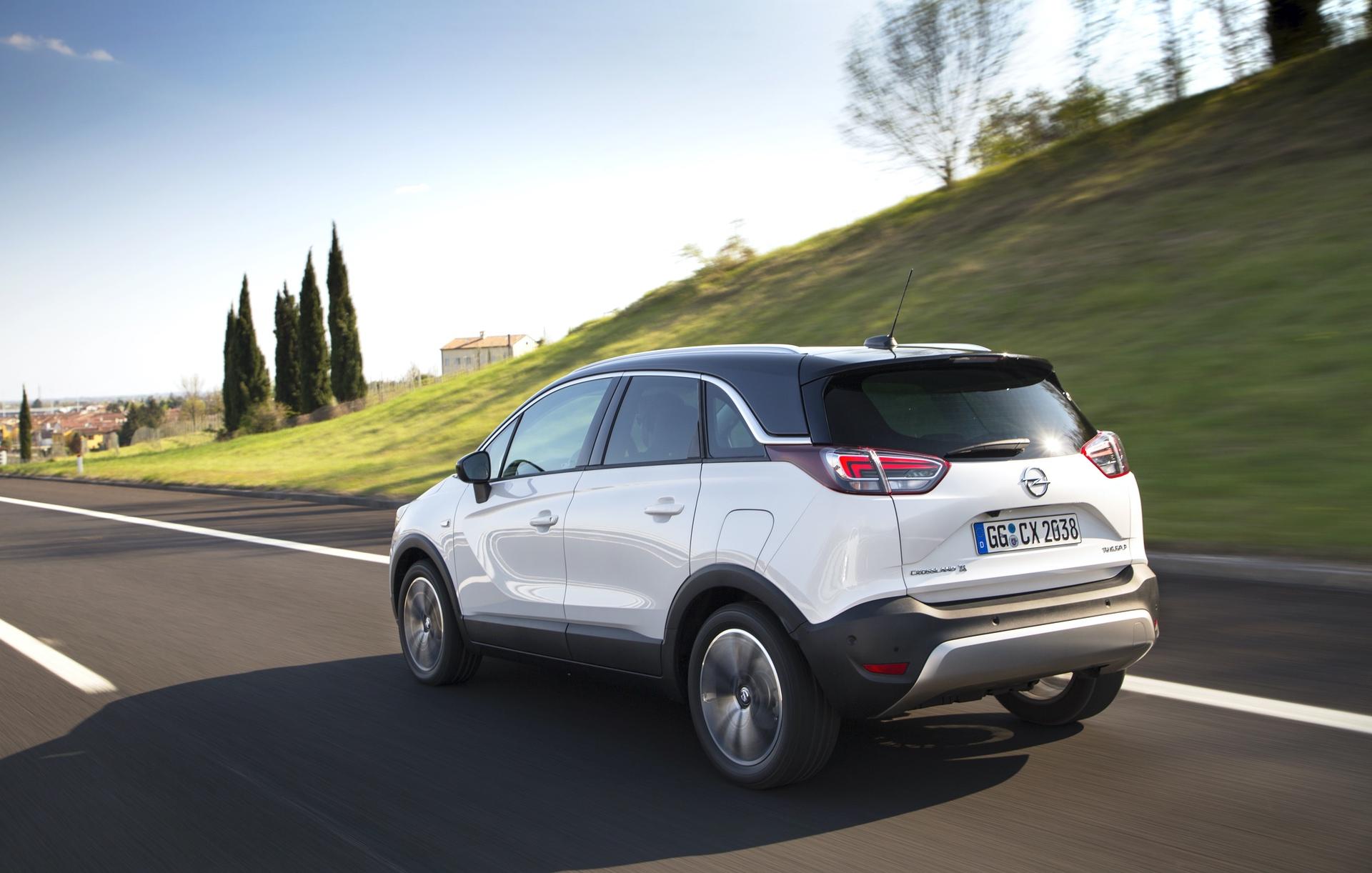 Opel_Crossland_X_auto_0001