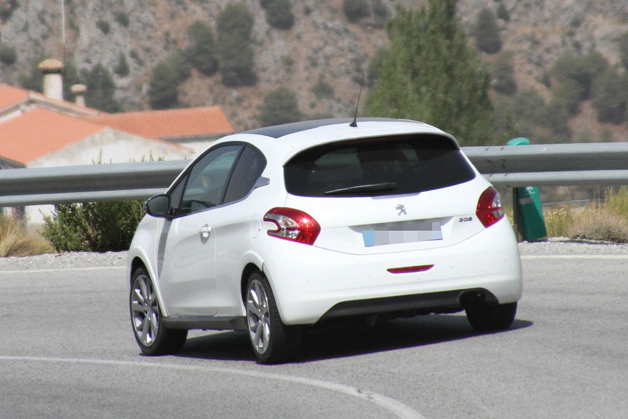 έ Peugeot 208 Gti ί ί ά Autoblog Gr