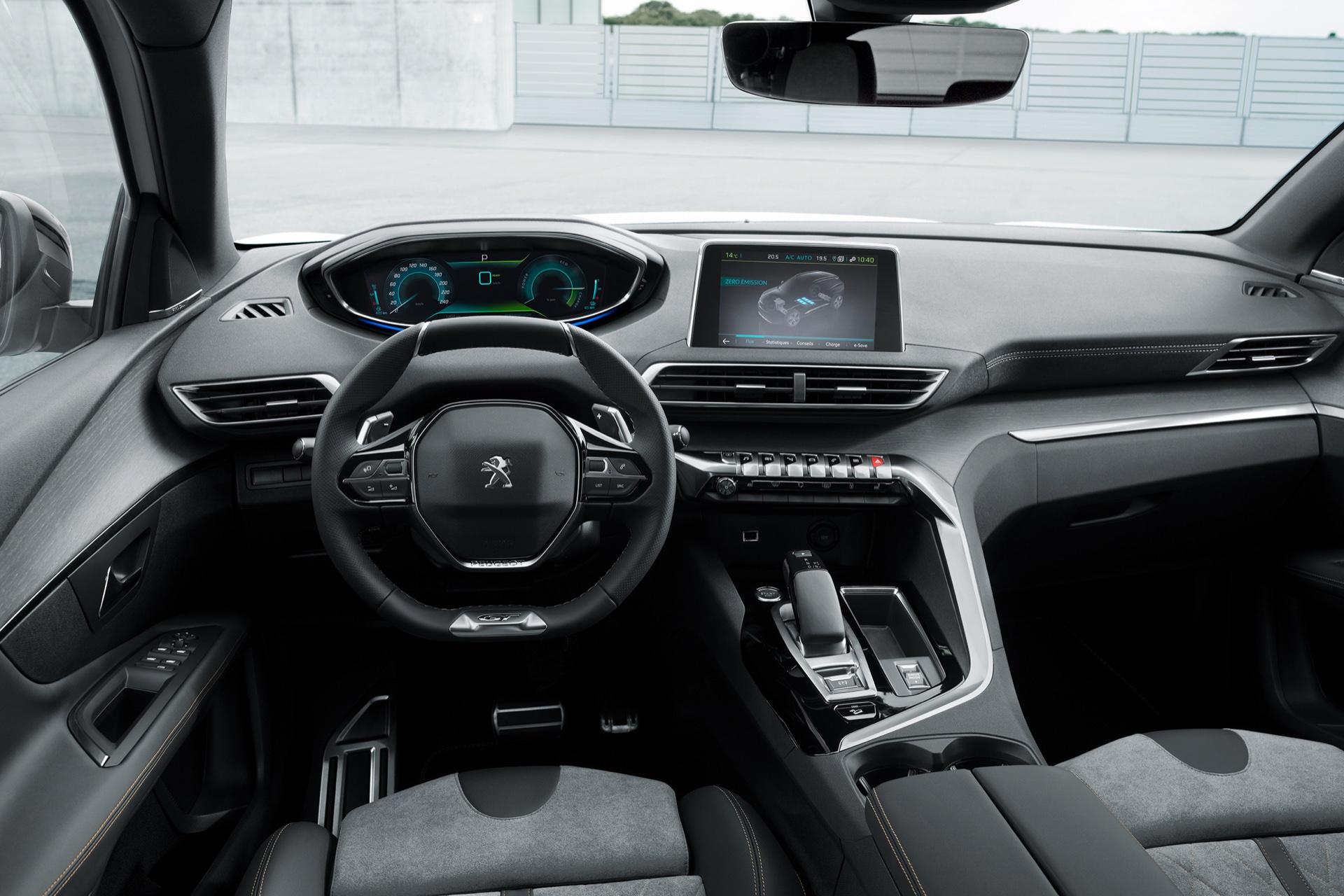 Peugeot-3008-GT-HYBRID4-3