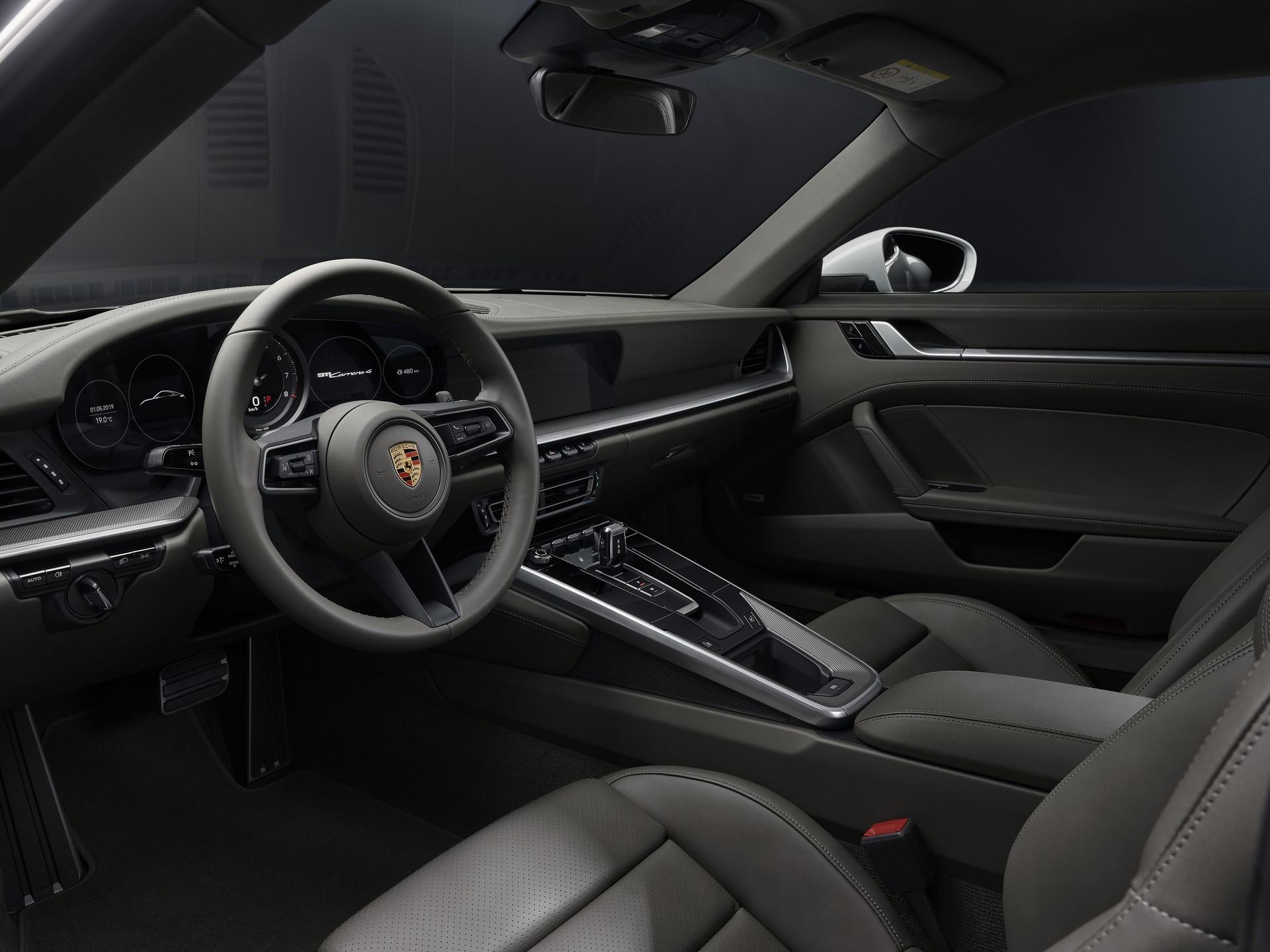Porsche-911-Carrera-4-Coupe-and-Cabriolet-2020-4