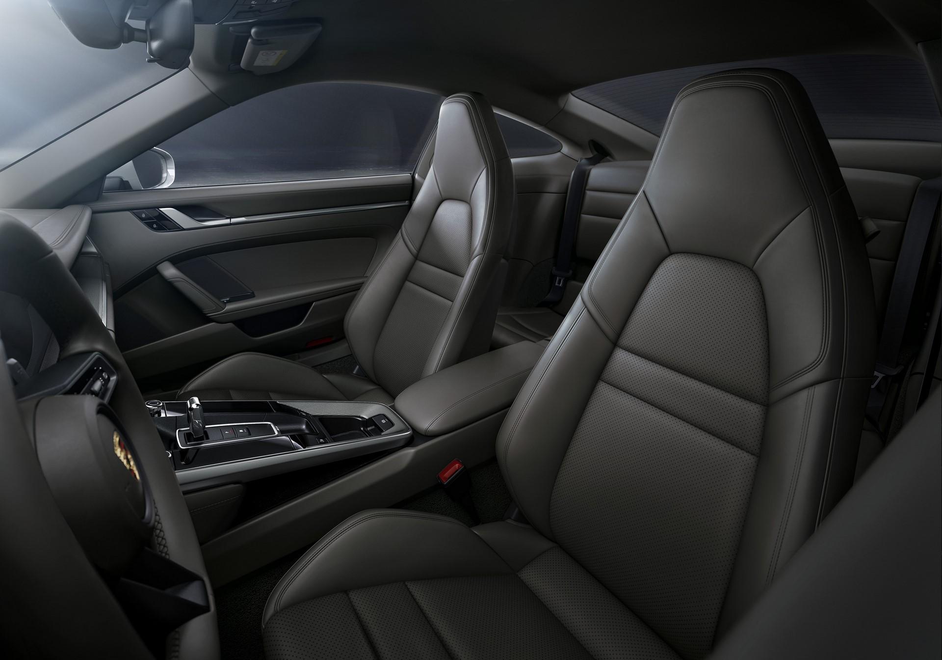 Porsche-911-Carrera-4-Coupe-and-Cabriolet-2020-5