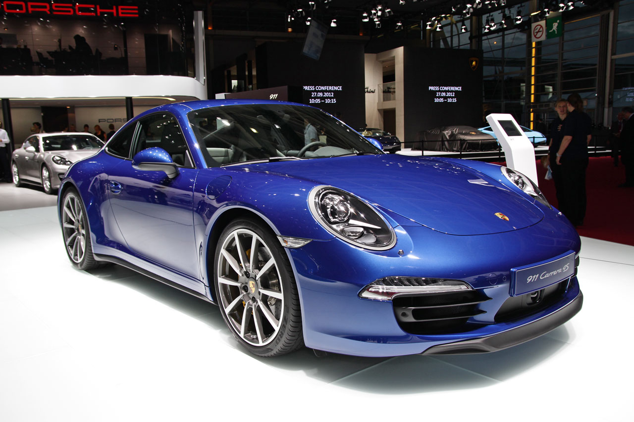 http://www.autoblog.gr/wp-content/gallery/porsche-911-carrera-4s-live-in-paris-2012/porsche-911-carrera-4s-live-in-paris-2012-3.jpg
