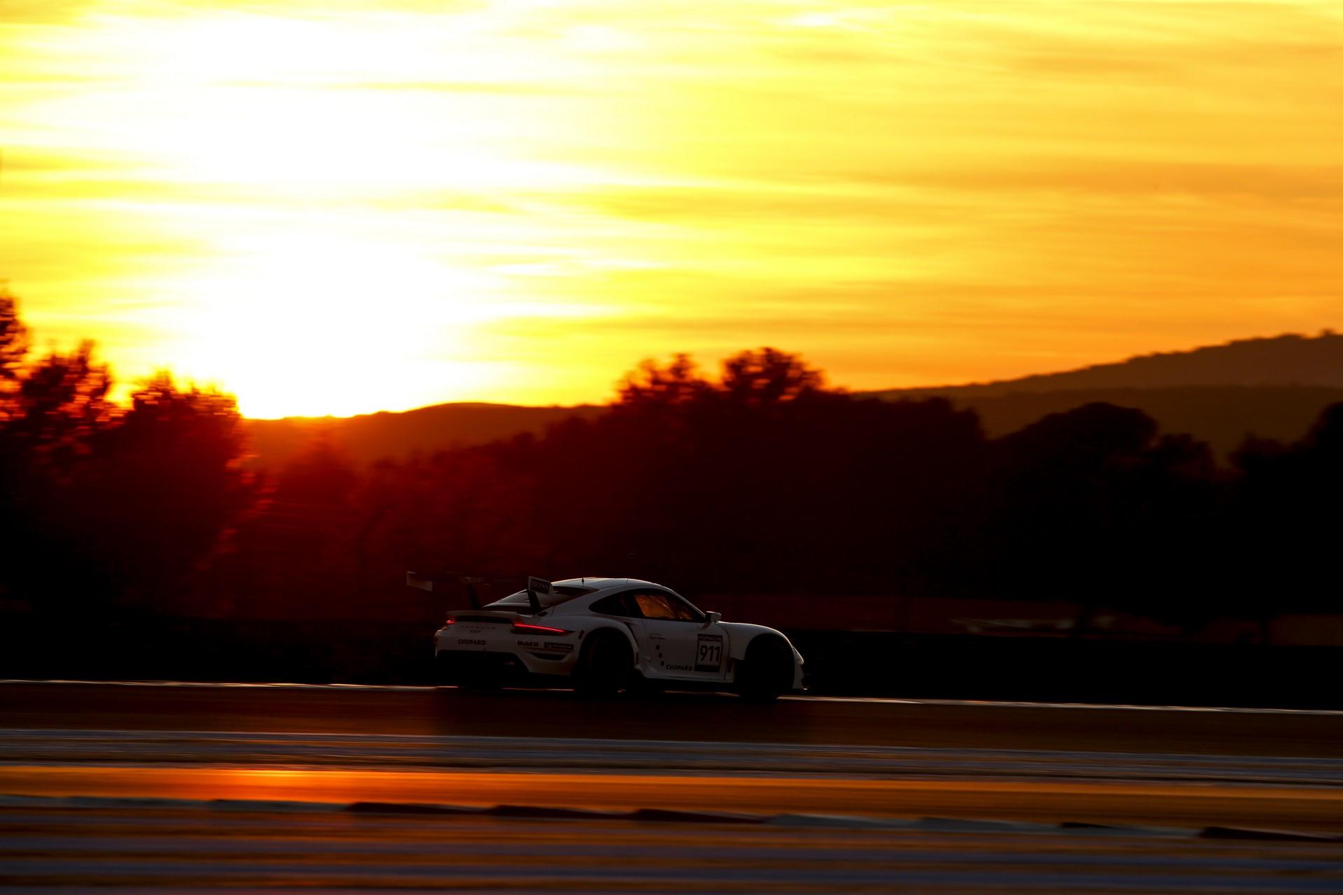 33 hours test Porsche 911 RSR in Le Castellet