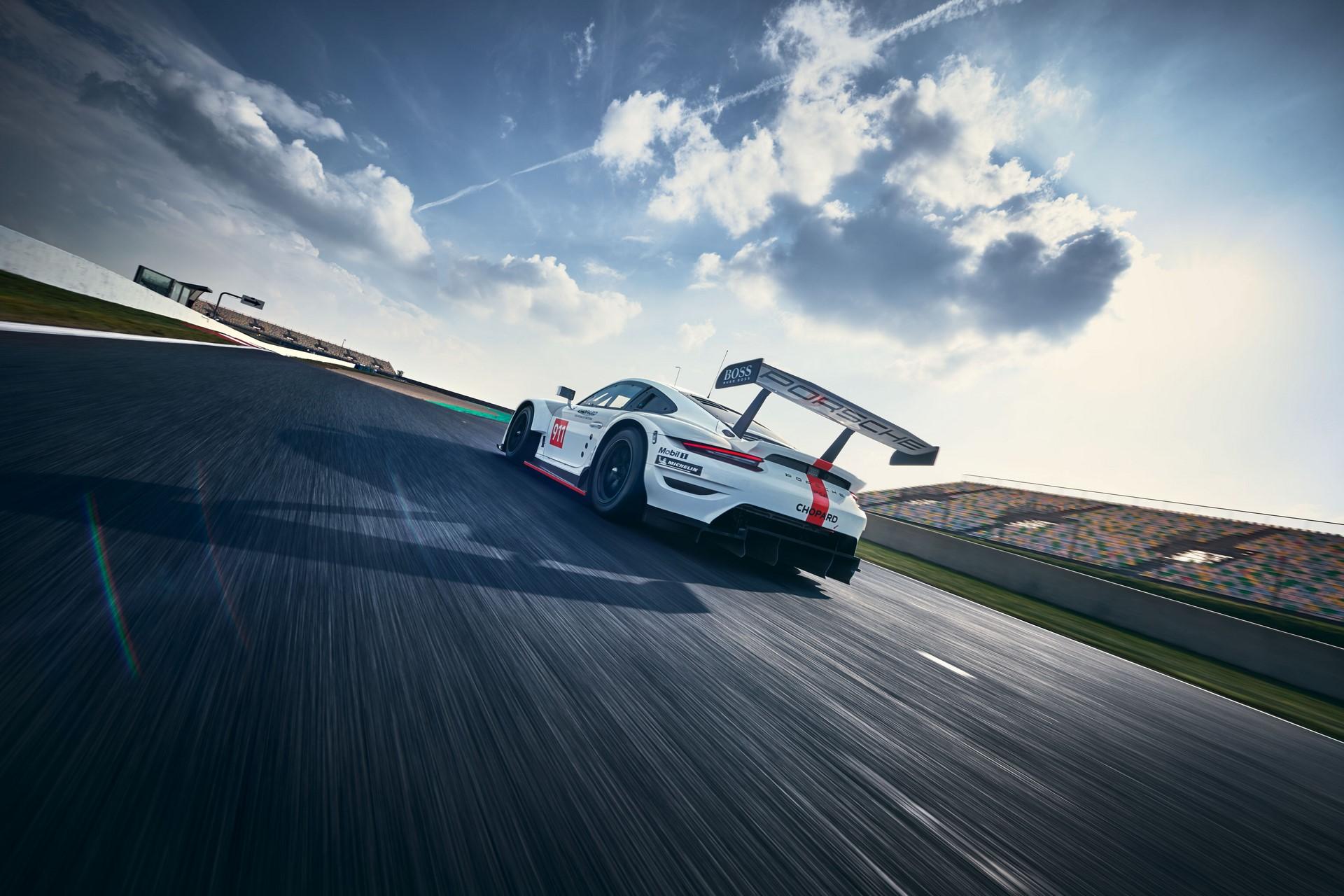 Porsche-911-RSR-2019-5