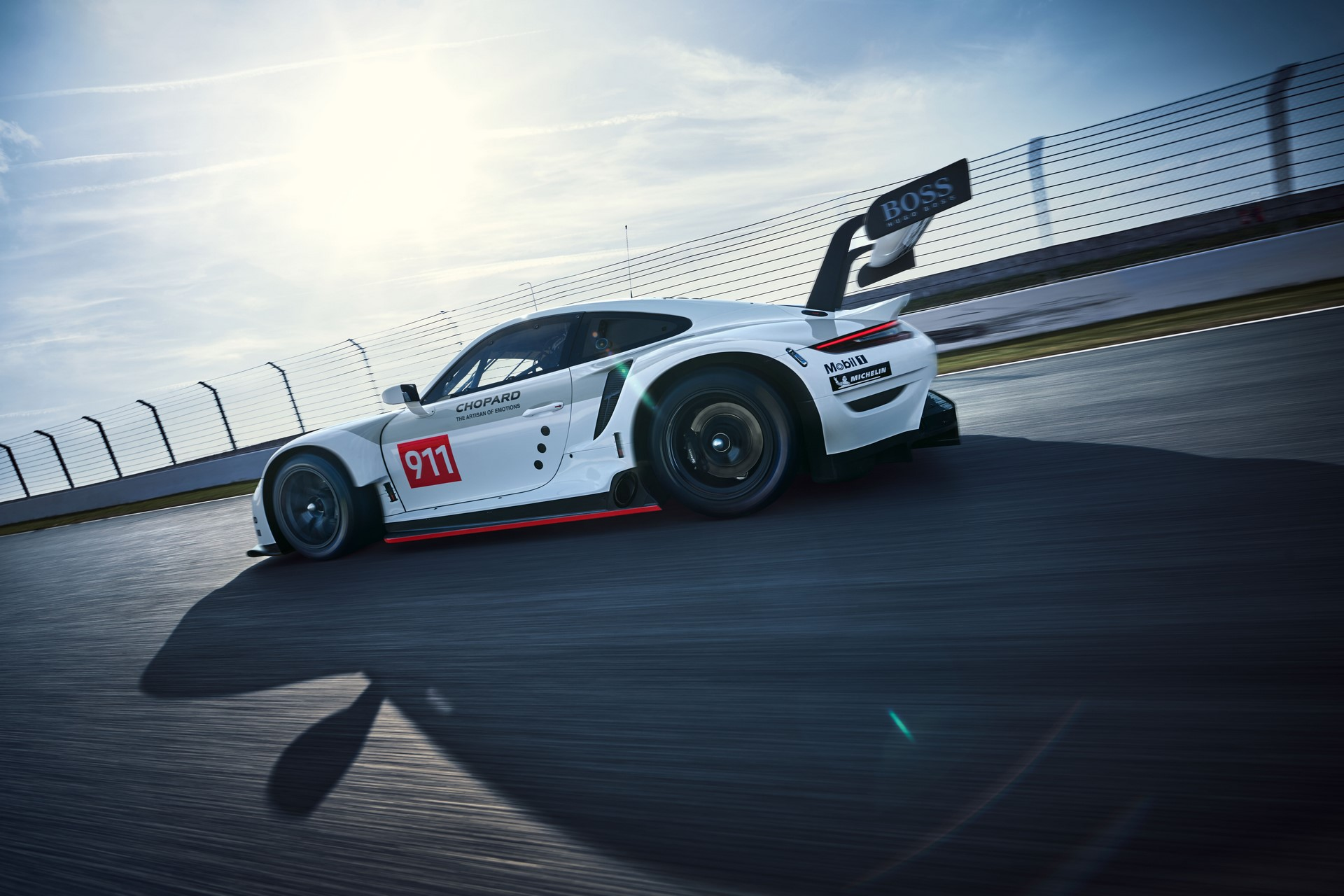 Porsche-911-RSR-2019-7