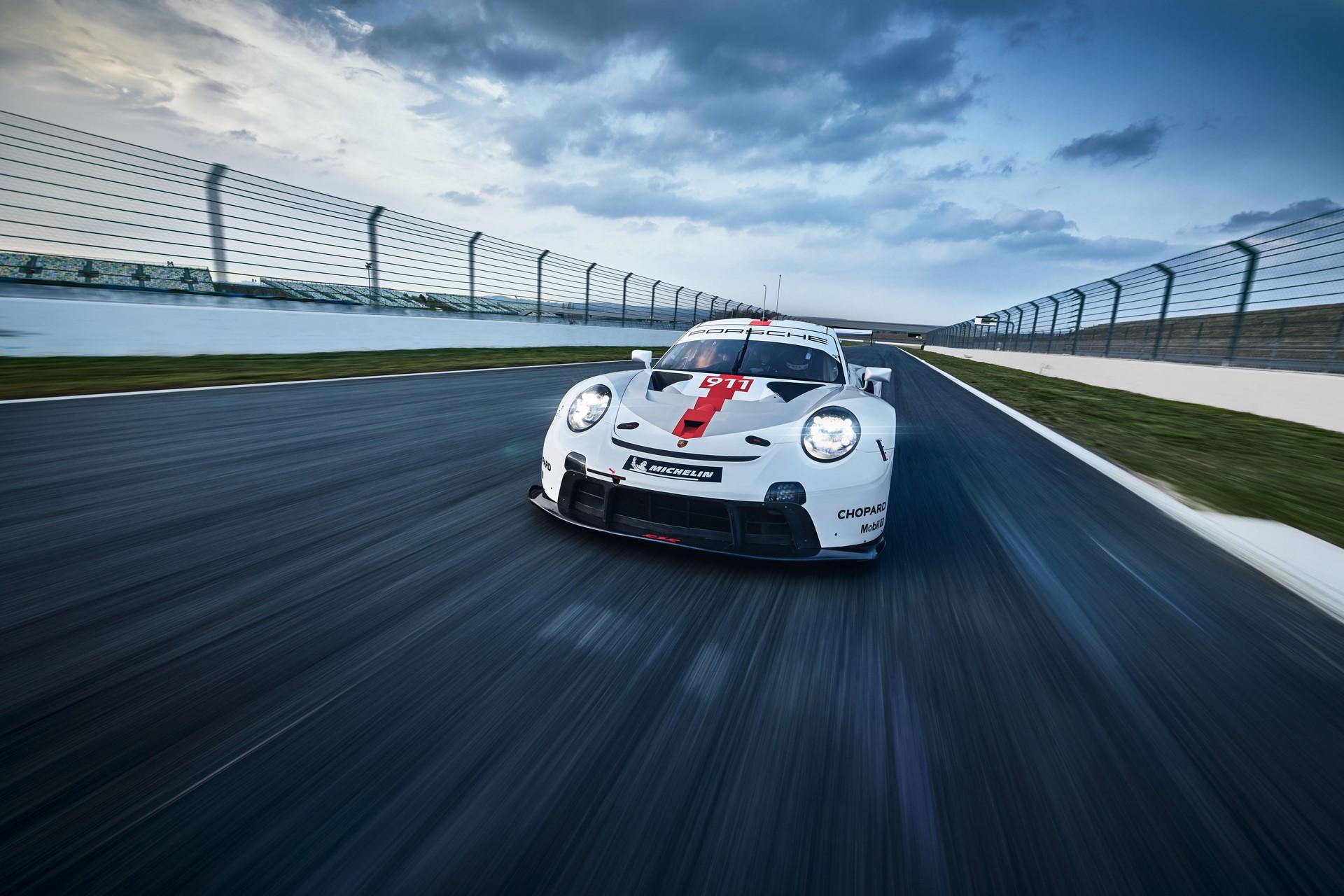 Porsche-911-RSR-2019-8