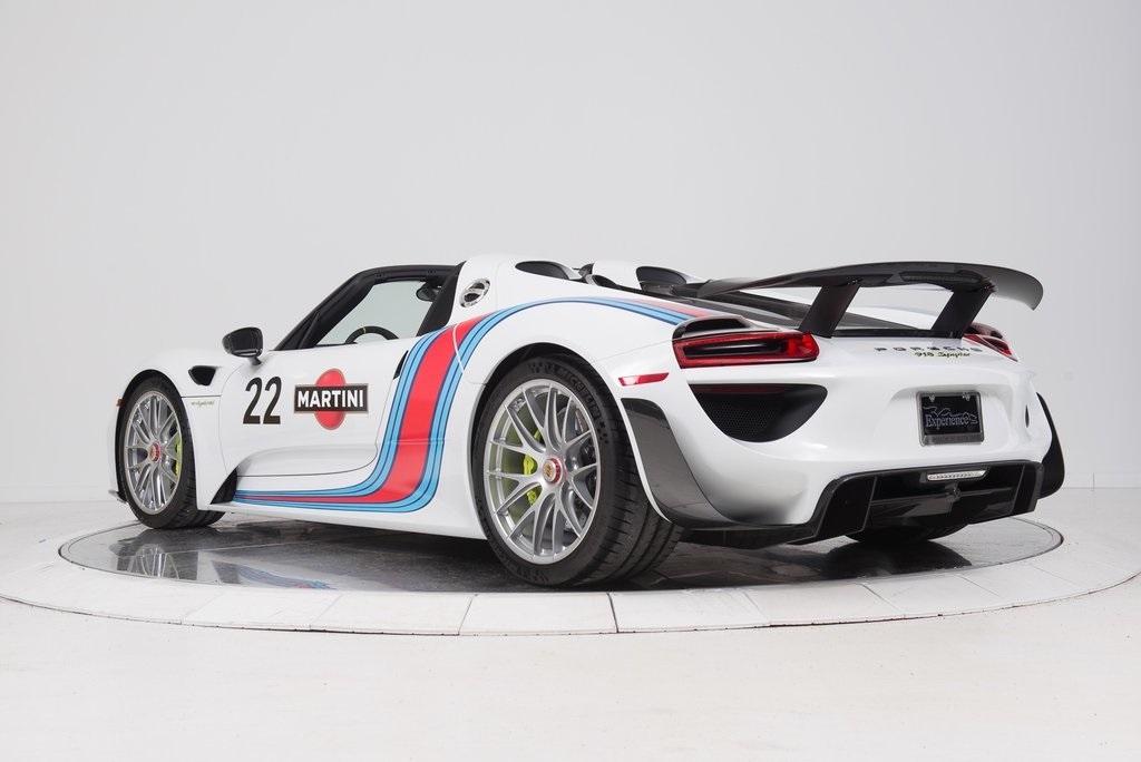 Porsche Of South Shore >> Στο σφυρί μία Porsche 918 Spyder με τα αγωνιστικά χρώματα της Martini - Autoblog.gr