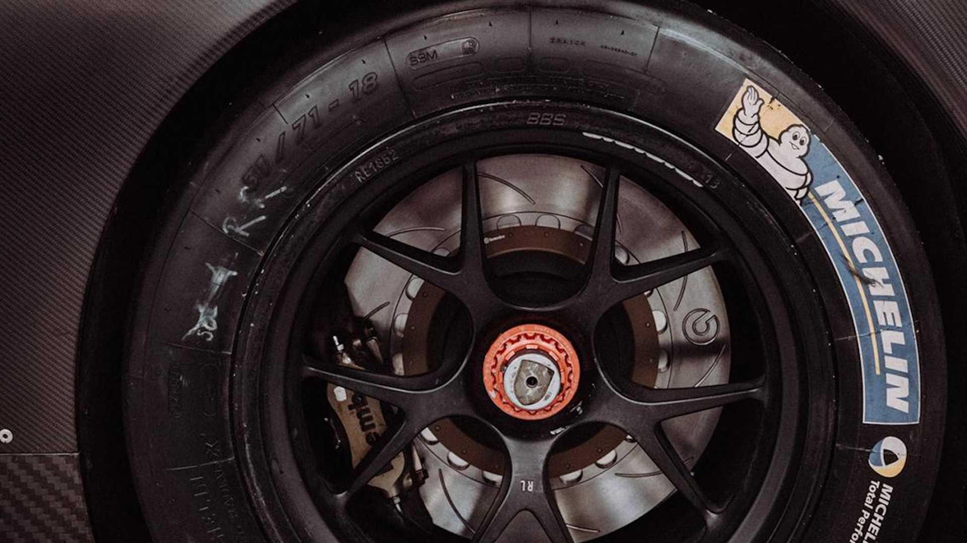 Porsche_935_Carbon_Fiber_0004