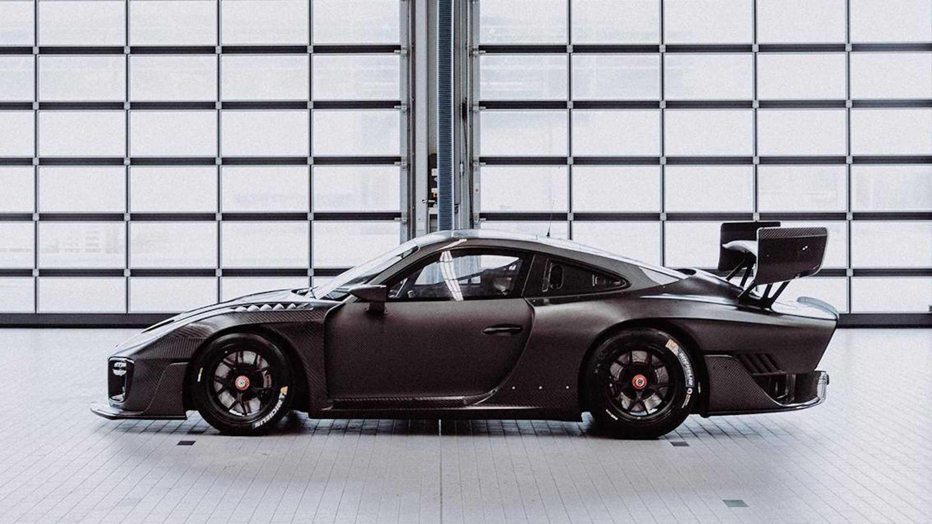 Porsche_935_Carbon_Fiber_0005