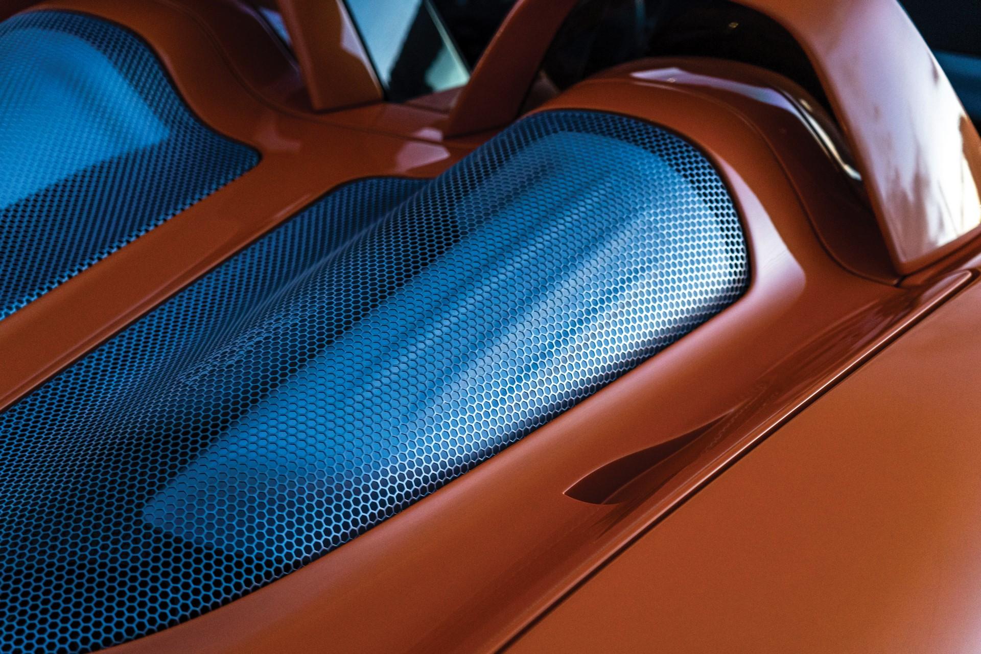 2005-Porsche-Carrera-GT-_10