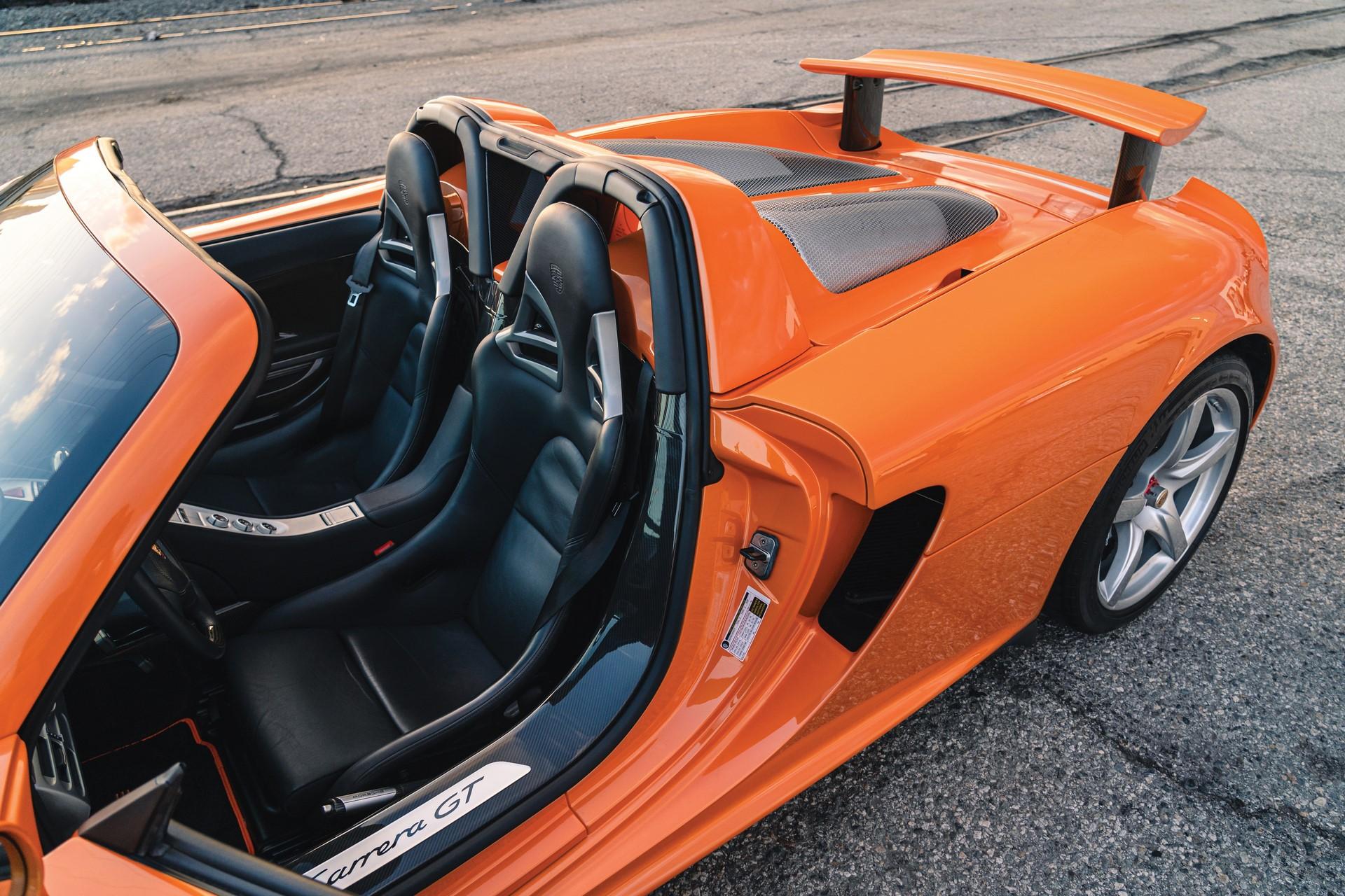 2005-Porsche-Carrera-GT-_17