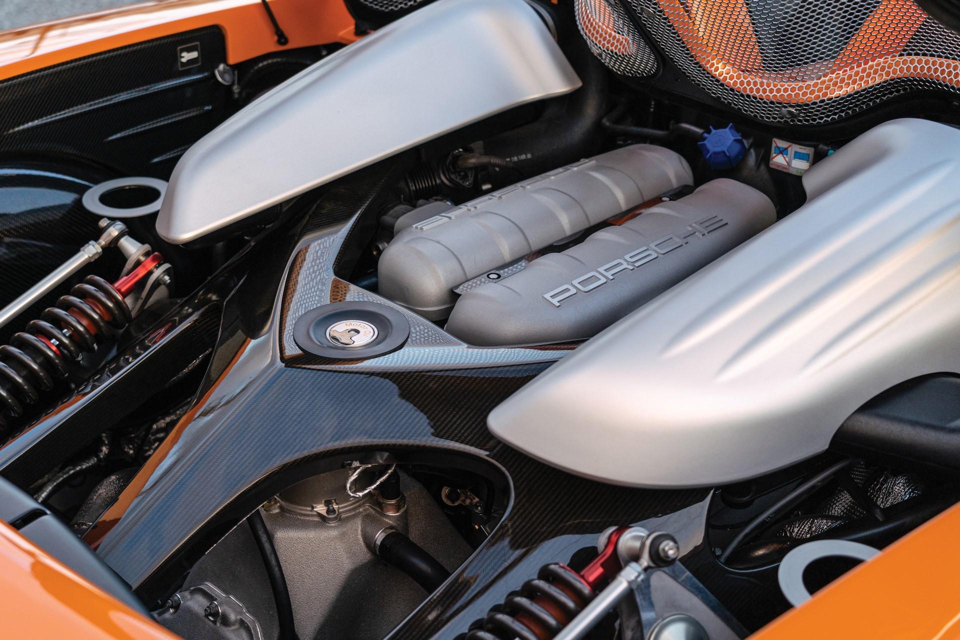 2005-Porsche-Carrera-GT-_20