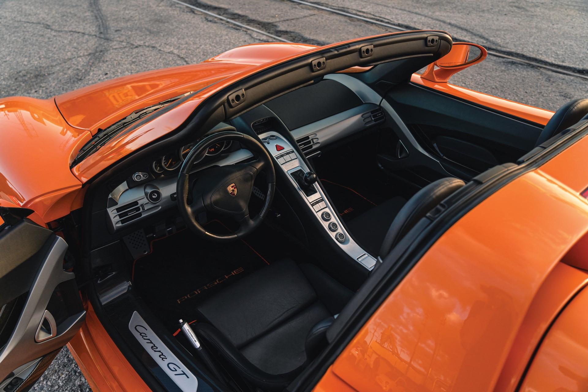 2005-Porsche-Carrera-GT-_3