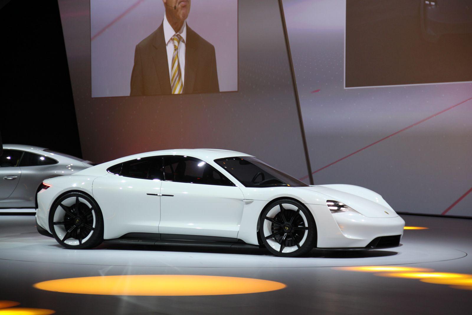 ή Porsche Mission E Autoblog Gr