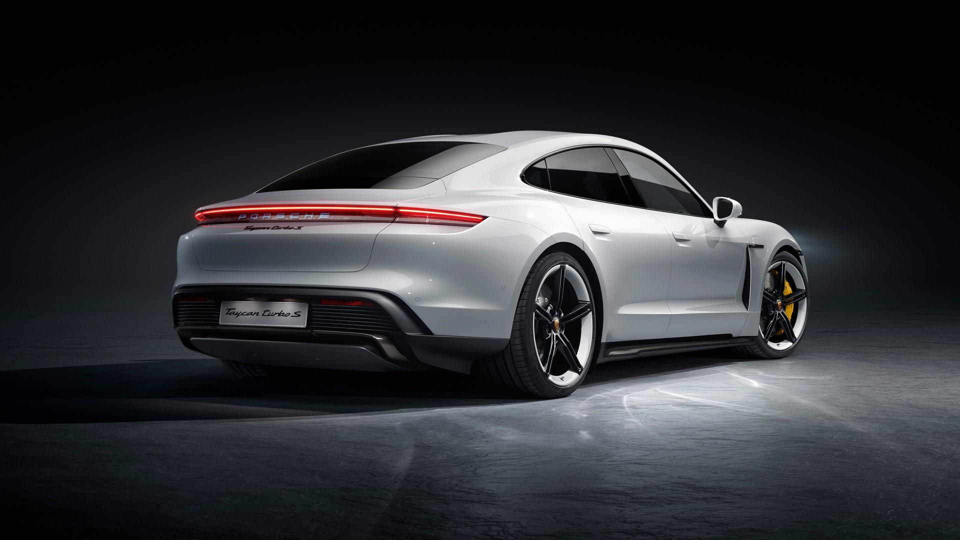 Porsche-Taycan-2020-11