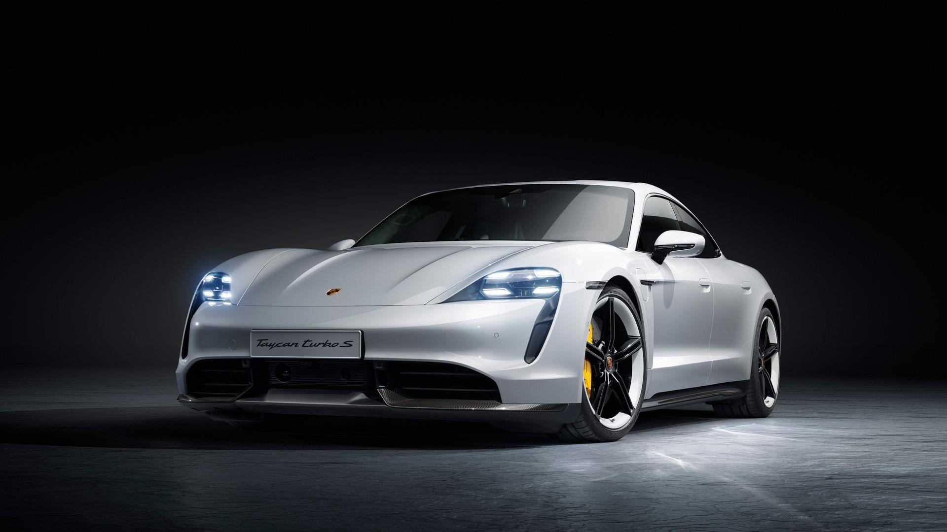 Porsche-Taycan-2020-12