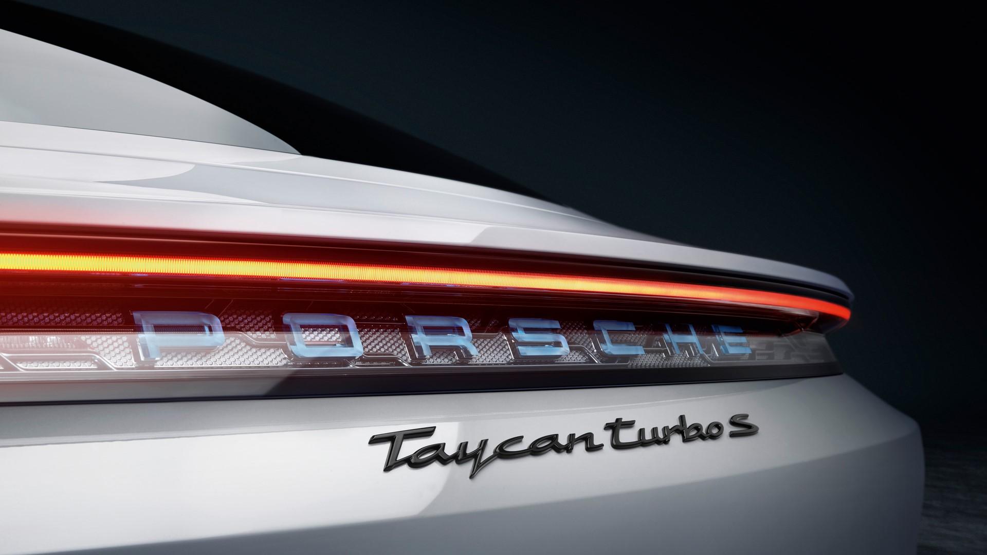 Porsche-Taycan-2020-5