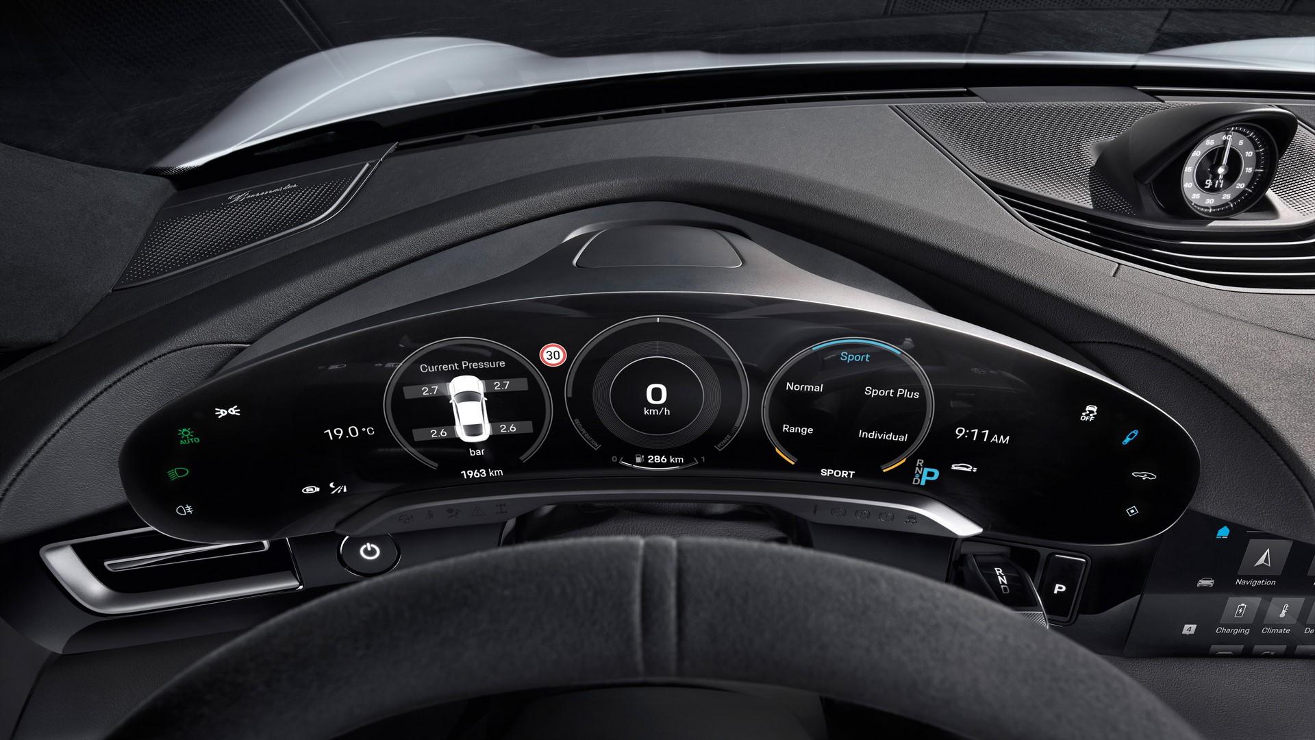 Porsche-Taycan-2020-9
