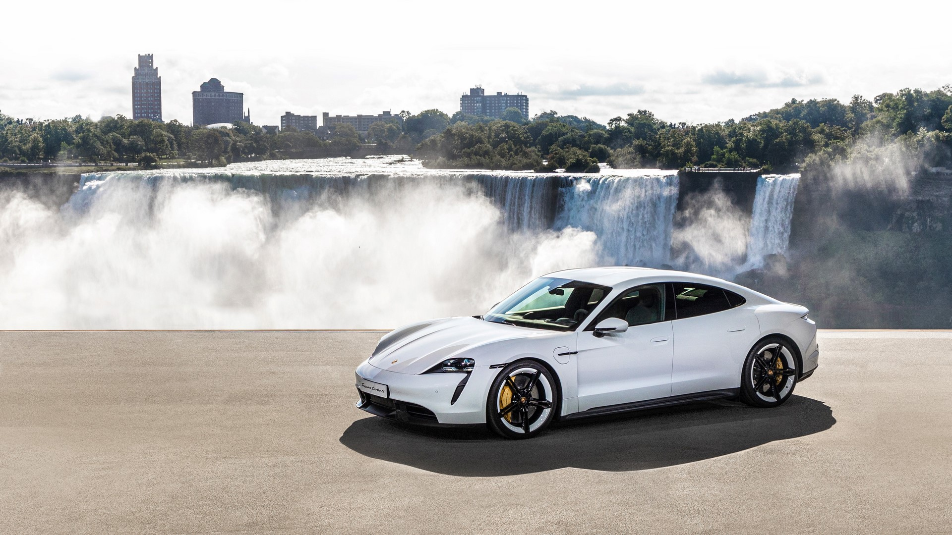 high_world_premiere_of_the_new_porsche_taycan_in_north_america_2019_porsche_ag