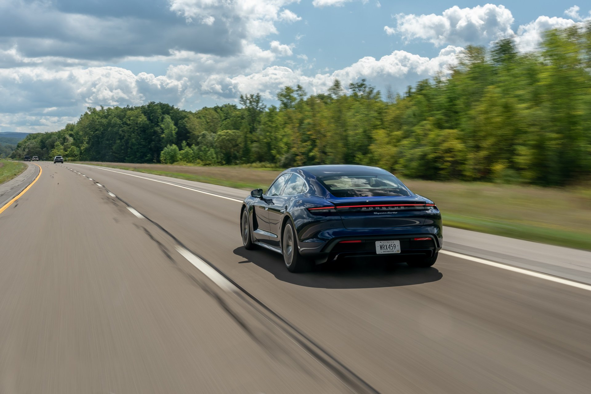 Porsche-Taycan-Niagara-Falls-to-New-York-2