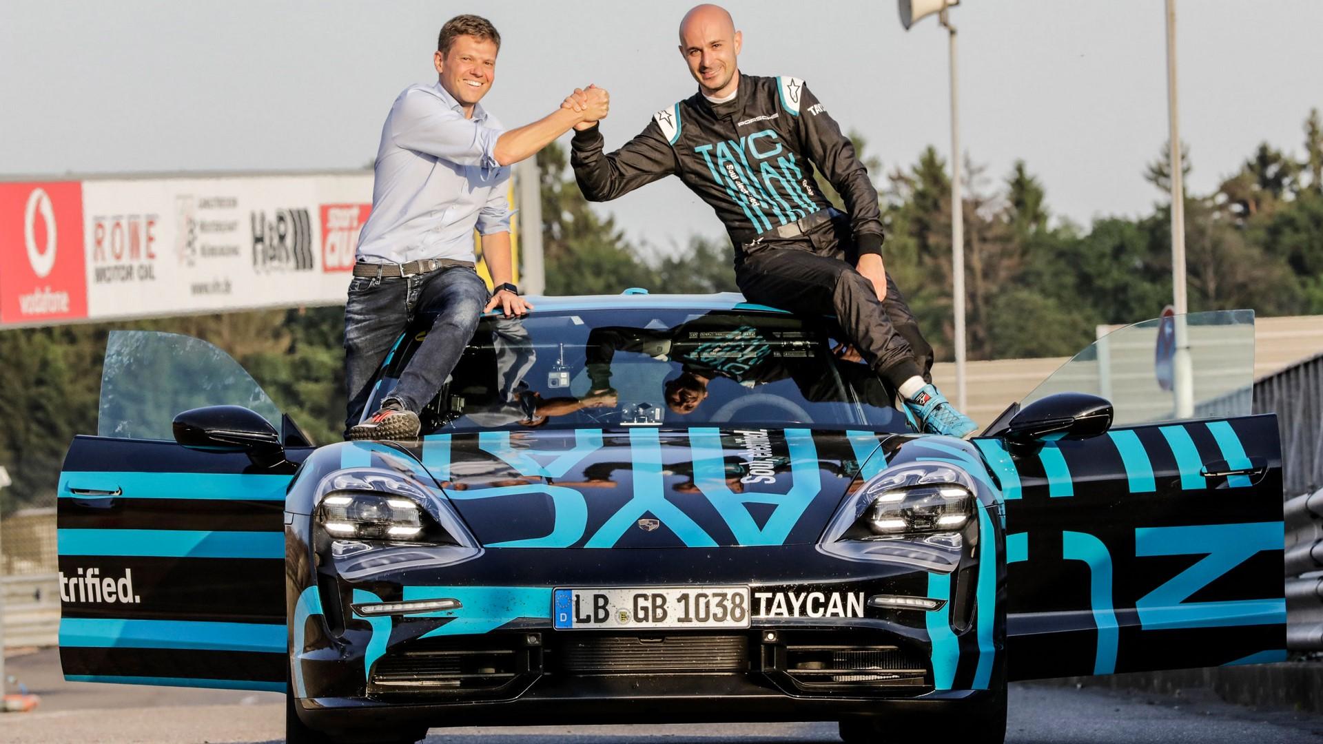 Porsche-Taycan-Nurburgring-record-12